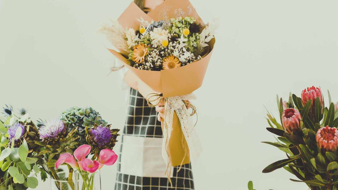 Flower Psychology: The Real Reasons We Love to Give and Receive Them